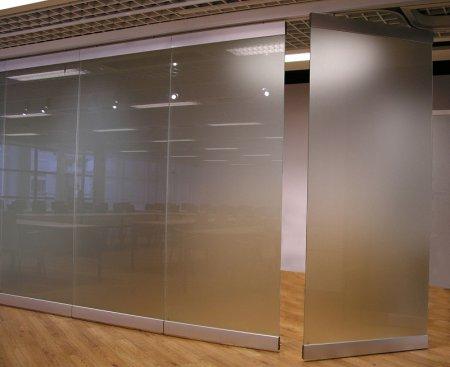 передвижная стекло